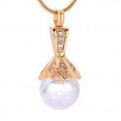 La perle de l'amour dorée